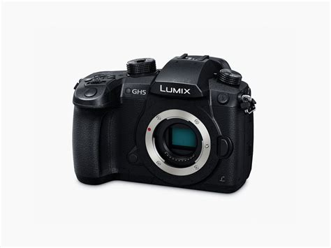 The Panasonic GH5 Mirrorless Camera Is a 4K HDR Video